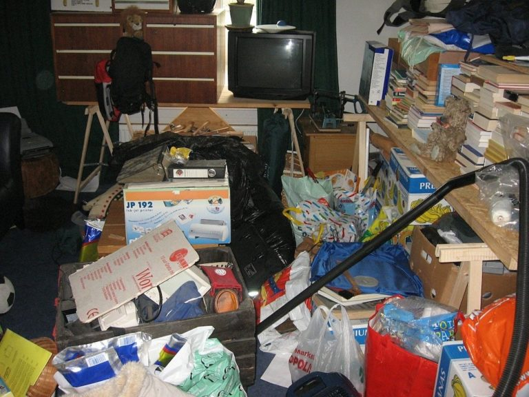Tips on How to Help Someone That Has a Hoarding Problem